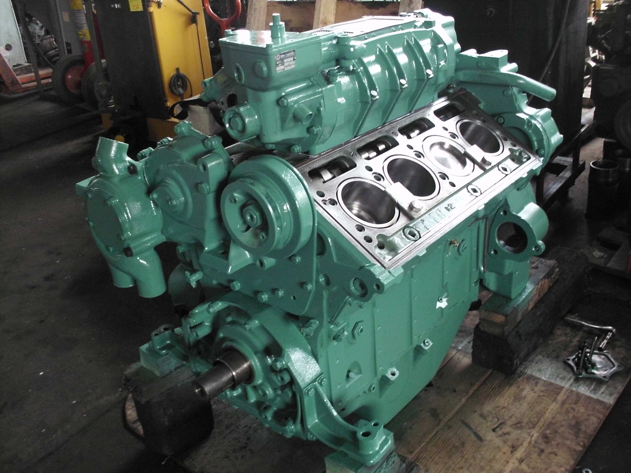 Img on 2 Stroke Detroit Diesel V8 Engine
